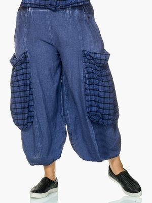 Broek capri Kekoo, blauw, washed out, met geruite zakken en rand achterpand