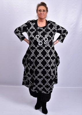 Leuke mooie jurk, zwart met print, plooien rond de zakken, mooie A-lijn, New Jersey