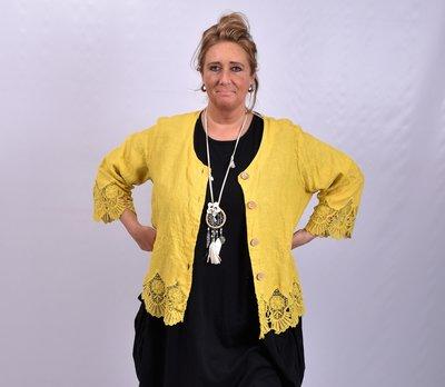 Jasje/ vestje, kort, geel met geborduurde print, kant aan de onderkant, Moonshine, recht model