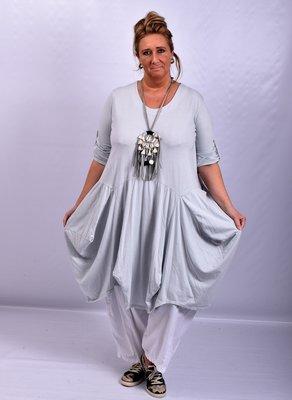 Moonshine kiezel ruim vallende lange jurk met bollingen en zakken, oprolbare mouw
