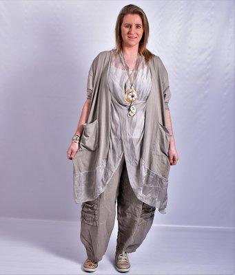 Lange blouse/tuniek, taupe, ronde hals met waterval hals en zakken, Made in Italy