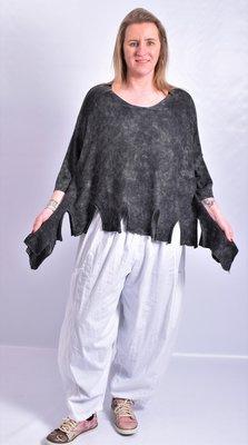 Truitje gebreid, Kekoo, zwart met aangezette halflange mouw, a-symmetrisch, stone washed