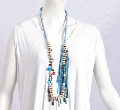 Ibiza ketting van kralen met schelpen en  flosjes, blauw/beige