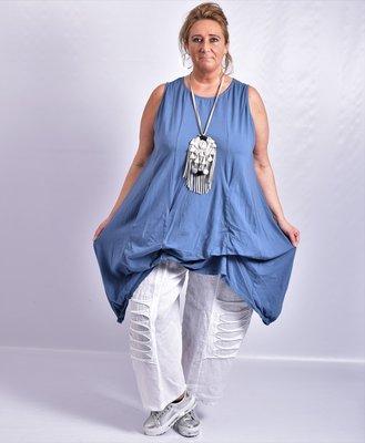Tuniek , jeansblauw, asymmetrisch, mouwloos,  met veters om op te halen