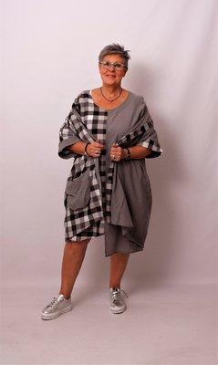 Blouse/ jasje Kekoo grijs, zwart-grijs geruit, met knoopsluiting, wijd vallend, links langer dan rechts