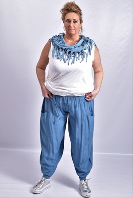 Broek, La Bass, jeansblauw, zakken op voorpand, rekbare taille,