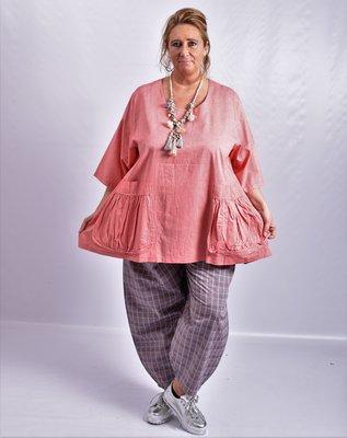 Tuniek, la Bass roze, grote A-lijn, halflange mouw, klokkend model, grote zakken met plooien