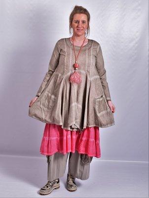 Tuniek taupe, A-lijn, asymmetrisch, zakken op voorpand,  lange mouw,