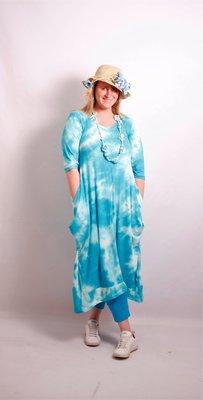 .Myrjo Leuke stoere aparte blauwe jurk met tie&day print,plooien ,super model