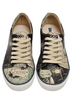 Catpire Sneakers