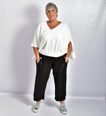 Ballonbroek, zwart, linnen, brede rekbare taille, mooie zakken met knoop.