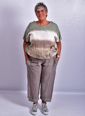Ballonbroek, taupe, linnen, brede rekbare taille, mooie zakken met knoop.