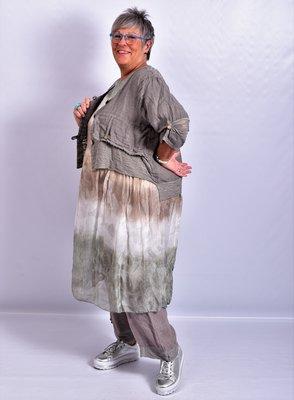 Blouse/jasje kort, taupe, linnen, met knoopsluiting,v-hals, 7/8 mouw,tweelaags
