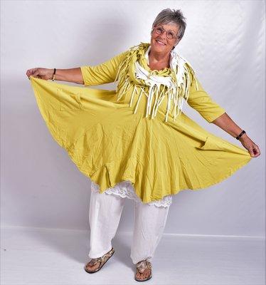 Tuniek mosterd geel, tricot, A-lijn, asymmetrisch, zakken op voorpand,  7/8 mouw,