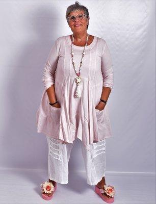 Tuniek licht roze, A-lijn, asymmetrisch, zakken op voorpand,  lange mouw,
