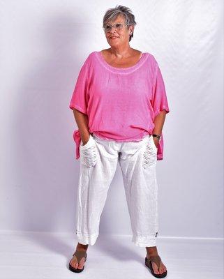 Ballonbroek, wit, linnen, brede rekbare taille, mooie zakken met knoop.