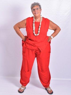 ..Broek La-Bass, rood, grote zakken op heup- en kniehoogte, rekbare taille
