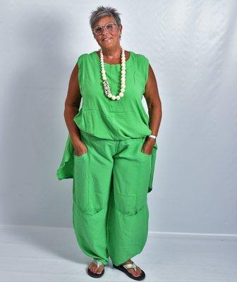 ..Broek La-Bass, groen, grote zakken op heup- en kniehoogte, rekbare taille