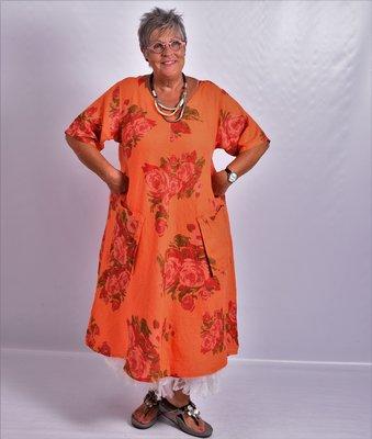 Jurk, oranje bloemenprint, 100% linnen, korte mouw, mooie A-lijn, zakken op voorpand, V-hals voor en achter