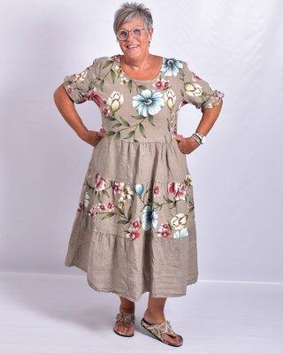 Jurk, Les Freres, taupe met bloemenprint, 100% linnen, halflange mouw, stroken vanaf de taille, ronde hals