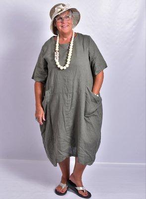 Jurk, army, korte mouw, grote zakken op voorpand, 100% linnen, grote A-lijn