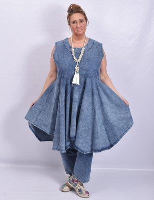 ..Tuniek, la Bass jeans stone washed, mouwloos, grote A-lijn met punten onderaan