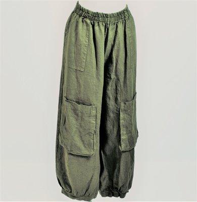 ..Broek, armygroen, ballonmodel met steekzakken en grote zakken op kniehoogte