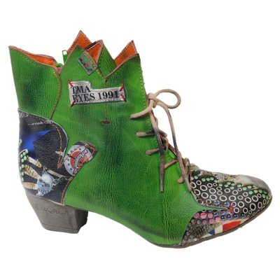 Leuke halfhoge schoen, groen met veter, leuke print, hoekjes uit de bovenkant