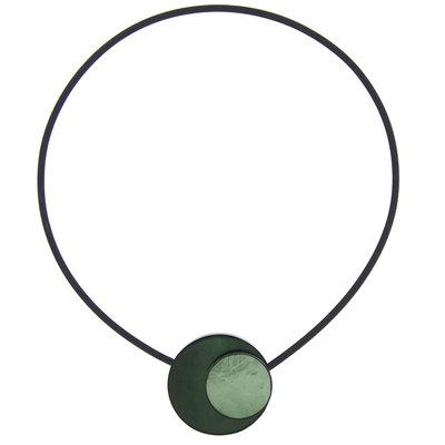 Ketting, green-, met ronde beschilderde schelp, magneetsluiting