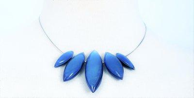 Ketting in hars, asymmetrisch, blauw