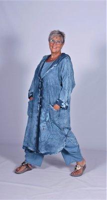 Rtf  Stoere wijdvallende  lange  spijker mantel / jas met capuchon stone washed.