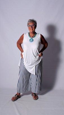 Aparte tricot broek met streepprint blauw wit