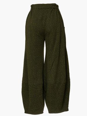 Kekoo broek, groen met zwarte print, rekbare taille en stiksel halverwege onderbeen