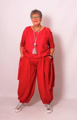 Ballonbroek Kekoo rood, washed out, met twee zakken,rekbare taille en  plooien