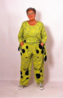 Broek Moonshine,lime groen zwarte print, zakken, rekbare taille, katoen