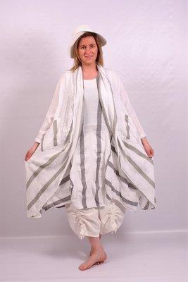 Jasje/ vest, Moonshine, lang en ruim, off white, groene streep, A-lijn, lange mouw, zakken op taillehoogte