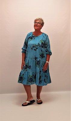 Gebloemde jurk, blauw,  Otantik, ronde hals,lange mouw