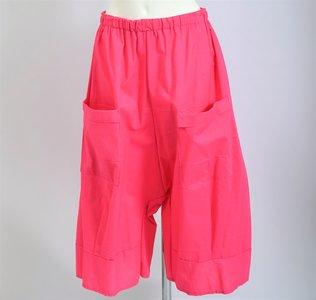 Broek, roze lekker ruime kniebroek met zakken knielengte, katoen rekbare taille, Myrjo.