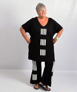 T shirt zwart met witte streepprint A-lijn korte mouw, V-hals, wijd vallend