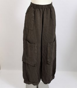 ..Broek, bruin, ballonmodel met steekzakken en grote zakken op kniehoogte