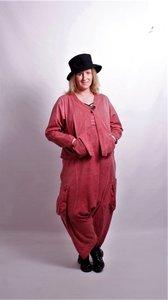 Moonshine oud roze ruime korte blouse jas met V-hals, knoopsluiting en zakken.